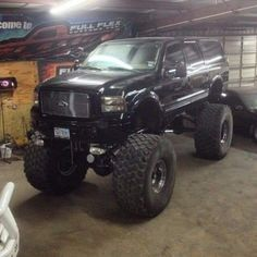 Nice and big Big Ford Trucks, Lifted Trucks, Cool Trucks, Chevy Trucks, Lifted Excursion, Ford Excursion Diesel, Ford Powerstroke, Ford Super Duty, Suv Cars