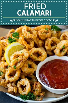 Homemade fried calamari with cocktail sauce is even better than what you'd get at a restaurant! Quick And Easy Appetizers, Great Appetizers, Appetizer Recipes, Dinner Recipes, Appetizer Dinner, Appetizer Ideas, Savoury Recipes, Dinner Ideas, Calamari Recipes