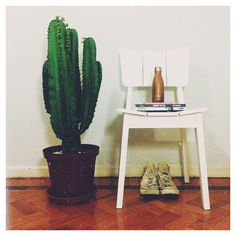 O nosso cliente carioca @dantongravina colocou seu estilo e personalidade com a cadeira Uma na decor de casa e arrasou! ;) #oppalaemcasa #oppadesign #oppadecor