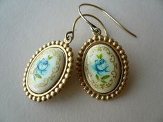 blue roses by buenostyle, via Flickr