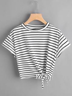 To find out about the Striped Side Knotted Tee at SHEIN, part of our latest T-Shirts ready to shop online today! Teen Fashion Outfits, Trendy Outfits, Girl Outfits, Summer Outfits, Fashion Dresses, Jugend Mode Outfits, Cooler Look, Striped Crop Top, Mode Inspiration
