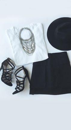 Look preto e branco , fácil de copiar haha
