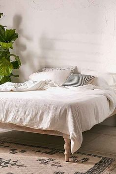 Bedding + Bed Linens   Urban Outfitters