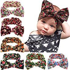 DIY Knotted Baby Head Tie tutorial with Free Pattern A simple and darling accessory every girl could use in her wardrobe! Try making these darling knotted head ties! A tutorial and free pattern all in one!