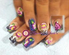 #nails #uñasbellas #uñasacrilicas #acrilycnails #uñas #diseño #kimerasnails #glitter #color #azul #negro #animalprint #flor #flower #florecitas #onestroke #pretty #manoalzada #fashionnails #naturalnails #fashion