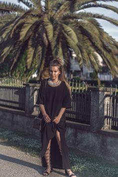 Gladiator Sandals - black on black #ootd www.fleurdemode.com
