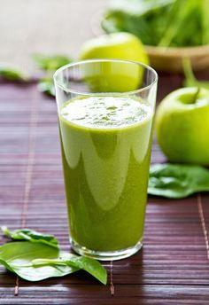 Ein sehr klassischer grüner Smoothie mit ganz besonderem Aroma. Die Vielfalt der einzelnen Zutaten kommt hervorragend zur Geltung. Für uns ein echter Klassiker unter den grünen Smoothies, den wir immer wieder gerne zubereiten.  Hulk - der Power-Protz - Zutaten   halbe handvoll Rucola ca. 1/3 Salatgurke 1 handvoll