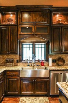 Tuscan kitchen design immediately conjures images of Italy and sunlight and warmth. In fact these kinds of images are just what you need to think of when coming up with the perfect Tuscan kitchen design. Rustic Kitchen Cabinets, Farmhouse Sink Kitchen, Country Kitchen, New Kitchen, Dark Cabinets, Kitchen Ideas, Kitchen Rustic, Farmhouse Style, Kitchen Logo