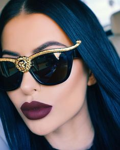 Chic - latest designer trends, high fashion accessories on We Heart It Sunglasses For Your Face Shape, Cat Eye Sunglasses, Sunglasses Women, Luxury Sunglasses, Lunette Style, Fashion Eye Glasses, Cute Glasses, Puffy Eyes, Liquid Lipstick