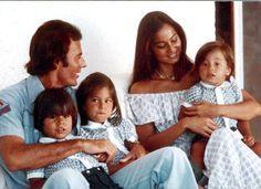 Isabel Preysler and Julio Iglesias | Julio Iglesias;Julio Jose;Enrique Miguel;Chabeli;Isabel Preysler