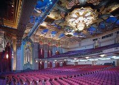 Jetss   O musical 'Mudança de Hábito' em cartaz no famoso Teatro Pantages em Hollywood