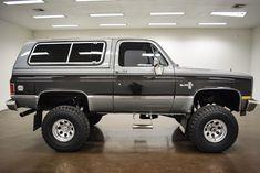 Lifted Chevy Trucks, Gm Trucks, Chevrolet Trucks, Cool Trucks, Chevy Blazer K5, K5 Blazer, Chevy Vehicles, Classic Pickup Trucks, Chevy Silverado