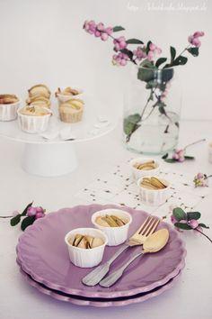 Wir haben mal wieder mit Äpfeln gebacken.   HIER  hatte ich ja bereits eine Vorschau gezeigt.        Diesmal sind es Mini-Vanille-Zimt M...