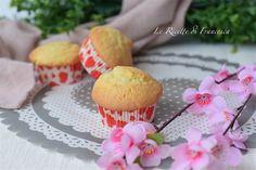 I muffin alla panna sono dei dolcetti soffici e fatti senza burro per una merenda genuina e una colazione diversa dal solito. Con pochi ingredienti e veloci