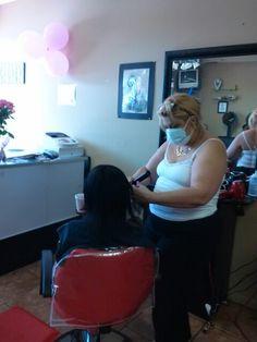 Lily. La Duena del salon de belleza. La jefa, de las jefas. 11 October.  2014 anniversary.  Nun. 8  aqui dando Keratina.