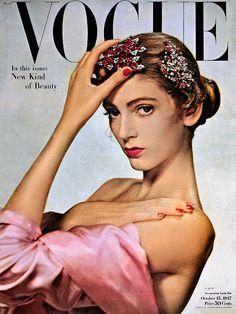 Обложка Vogue US. Фото: Эрвин Блюменфельд, 1947