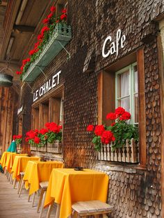 Colourful Café in Gruyères - Suisse