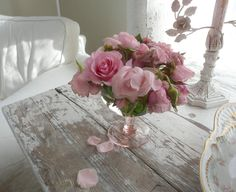 oh so pretty #shabby #chippy #white #table