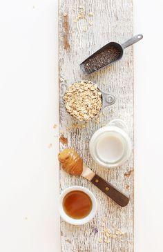 Easy Peanut Butter Overnight Oats! #vegan #glutenfree #naturallysweetened #healthy #breakfast #recipe