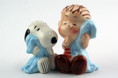 Snoopy and Linus Salt and Pepper Shakers not only season your food perfectly, they also add extra charm to your dining table. Salt N Pepa, Morton Salt, Salt And Pepper Set, Spice Jars, Novelty Items, Salt Pepper Shakers, Vintage Disney, Snoopy, Stuffed Peppers