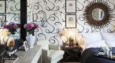 Schwarz weißes Schlafzimmer, Schlafzimmer, schwarz, Weiß, Tapete, Muster, Dedar, Sunburstmirror, Hotel Style, Thai Cong