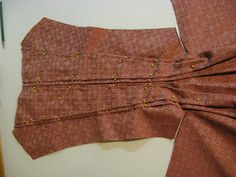 The Merry Dressmaker: En Fourreau Back - The Lazy Dressmaker's Version - If I were to make an en fourreau back gown (which is doubtful), I'd totally go this route!