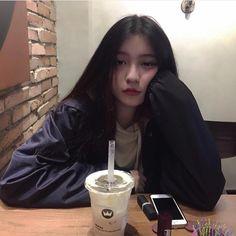 Ulzzang Korean Girl, Cute Korean Girl, Ulzzang Couple, Asian Girl, Aesthetic Photo, Aesthetic Girl, Fanfic Exo, Girl Korea, Western Girl