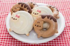 Adorable Cat Donuts Inspired by Donut-Shaped Anime Cats