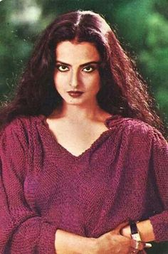 Happy 61st late birthday to my one and only concept of beauty Rekha♥you are beauty personified and I wish I'd grow old gracefully just aa you*kisses & love sent to india*