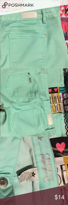 Juniors Size 9 Jeans Stretch Aqua Skinny 🌷🌷🌷 Celebrity Pink Juniors Size 9 Jeans Stretch Aqua Skinny 🌷30L🌷 8 inch inseam Celebrity Pink Jeans Skinny