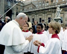 How I Fell In Love With Travel (& Got Blessed By the Pope)- a tour of Italy w/ Atlanta Boy Choir, singing for Pope John Paul II in the Vatican. I Fall In Love, Falling In Love, Religion, Juan Pablo Ii, Sign Of The Cross, Pope John Paul Ii, Episcopal Church, Talent Show, Florida Travel