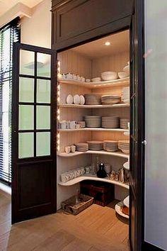 closet layout 84512930496352349 - Kitchen Pantry Cabinets Source by darcyoliver Kitchen Pantry Design, Kitchen Pantry Cabinets, Kitchen Organization Pantry, Pantry Storage, Kitchen Storage, Organization Ideas, Closet Organization, Pantry Ideas, Storage Ideas