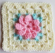 bevs flower square. Free crochet pattern.  Photos to help.