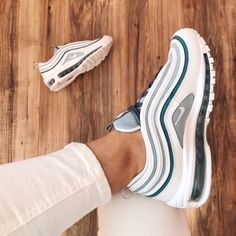 NIKE shoes sneakers street styles/outfit with Nike shoes/outfit style/sport/men/woman/nike sneakers/Air Max 97 Nike Shoes Outfits, Nike Air Shoes, Shoes Sport, Running Shoes, Nike Shoes For Men, Cool Nike Shoes, Nike Air Max, Hype Shoes, Women's Shoes