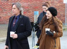 """Robert Carlyle and Emilie De Ravin - Behind the scenes - 5 * 17 """"Her Handsome…"""
