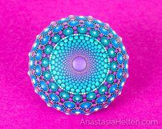 Mandala-Stein Hand bemalt von AnastasiaHelten auf Etsy