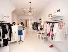 Discover ideas about small boutique ideas Boutique Design, Boutique Decor, Boutique Displays, Boutique Shop, Clothing Boutique Interior, Fashion Boutique, Small Boutique Ideas, Retail Store Design, Store Interiors