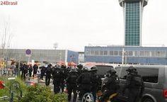 Homem é morto após tentar roubar arma de militar em aeroporto de Paris