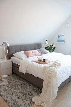 Fine Schlafzimmer Ideen Boxspringbett that you must know, You?re in good company if you?re looking for Schlafzimmer Ideen Boxspringbett Decor Room, Living Room Decor, Bedroom Decor, Home Decor, Ikea Bedroom, Bedroom Furniture, Bedroom Wall, Home Bedroom, Modern Bedroom