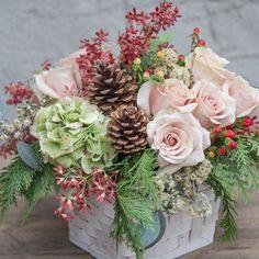 Winter beauty - Home Floral Arrangements - Winter Flower Arrangements, Silk Floral Arrangements, Christmas Arrangements, Floral Bouquets, Christmas Flowers, Winter Flowers, Fleur Design, Do It Yourself Inspiration, Home And Deco