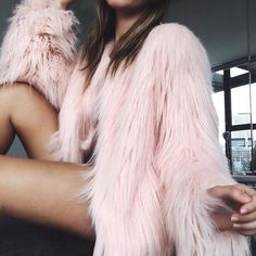 pink fur | pink faux fur | faux fur | street style