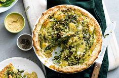 Spring green homity pie – a roast dinner idea which shows that vegetarian mains can be just as satisfying. Find more vegetarian mains at Tesco Real Food. Cereal Recipes, Veg Recipes, Homity Pie, Roasted Parsnips, Tesco Real Food, Roast Dinner, Frozen Peas, Spring Green, Pie Dish