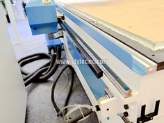 The fourth detailed picture of Wood engraving machine for wood furniture, table, chair, doors