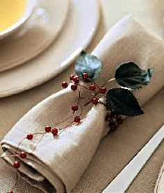 Table decor detail,... Great home decor page.