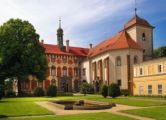Libochovice European Countries, Summer Months, Tour Guide, Czech Republic, Castle, Tours, Mansions, Country, House Styles