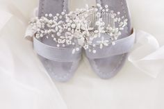 Wedding shoes and hairpiece Wedding Shoes, Wedding Day, Wedding Dresses, Anna, Hair Pieces, Wedding Details, Wedding Photography, Bridal, Inspiration