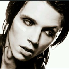 Andy biersack -- MORE CAEL SPAM!!!!