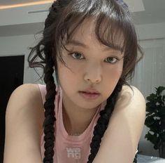 Blackpink Jennie, Pearl Necklace, Dreadlocks, South Korean Girls, Korean Girl Groups, Kpop, Let Me Know, Let It Be, My Girl
