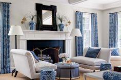 Blue & white living room - photo: Sam Gray - Interior design: John De Bastiani - New England Home Magazine