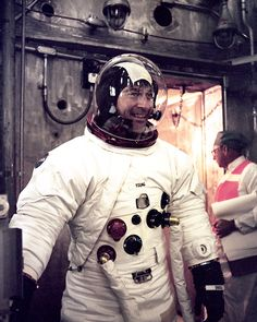 John Young enters Altitude chamber for testing Apollo Space Program, Nasa Space Program, Apollo Nasa, Apollo 11, Space Astronauts, Nasa Astronauts, Nasa Missions, Apollo Missions, Gorgeous Ladies Of Wrestling